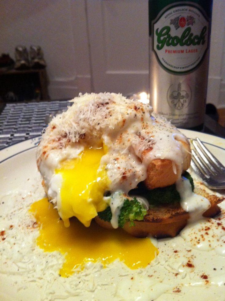 Sandwich au brocoli & oeuf poché