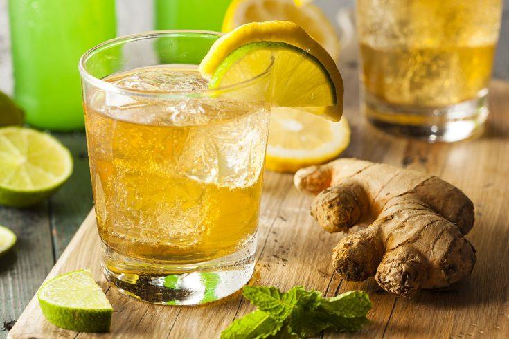 Cocktail canadien au whisky et soda gingembre