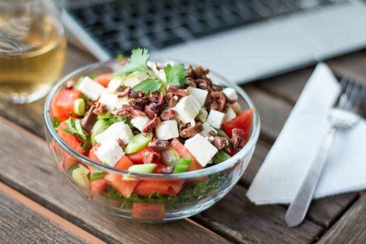 Salade de melon d'eau, kale et feta